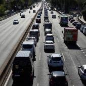 Este es el dinero que recauda el Gobierno en impuestos a los conductores: IVA de combustibles, circulación...