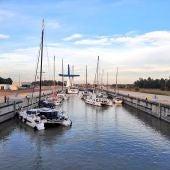 Veleros atracados en el Puerto de Sevilla