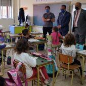 El consejero Felipe Faci ha visitado esta mañana el colegio de Calamocha