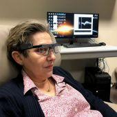 Investigadores de la UMH logran estimular la visión en una persona ciega para que pueda percibir formas simples y letras.