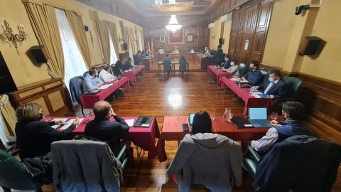 Pleno extraordinario en el ayuntamiento de Teruel