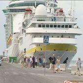 Nueve mil turistas en el puerto de Málaga