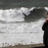 Alerta roja por fuertes vientos en Galicia