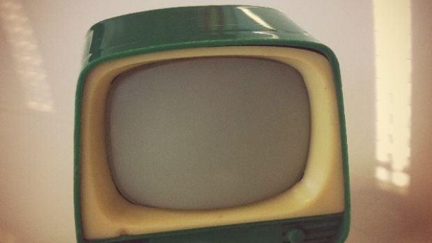 Ficción sonora: El emotivo homenaje de Eduardo, un técnico que ha dedicado su vida a la televisión