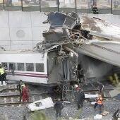 Los servicios de auxilio en el accidente de Santiago tuvieron claros errores de coordinación