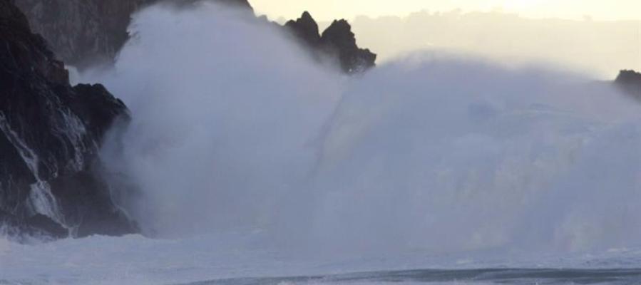 Grandes olas en Galicia