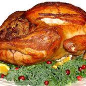 El suculento pavo de Acción de Gracias. Trinchando, que es gerundio.