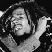 Bob Marley, durante un concierto