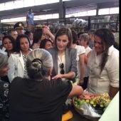 La reina Letizia en el mercado de Suchitoto de El Salvador