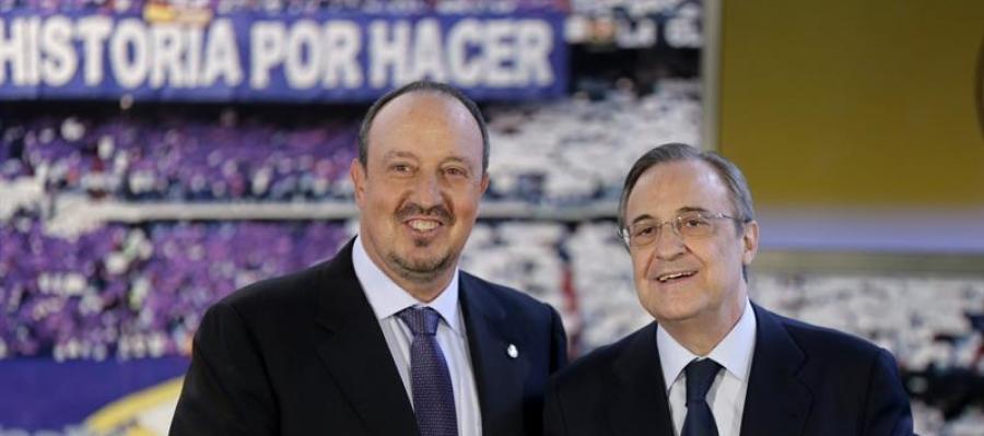 Rafa Benítez junto a Florentino Pérez en su presentación