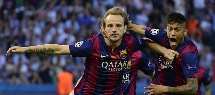 Rakitic festeja el gol