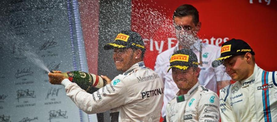 Hamilton celebra su victoria en el GP de Canadá