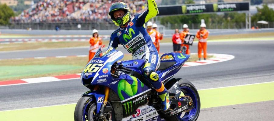 Valentino Rossi celebra la segunda plaza del GP de Cataluña