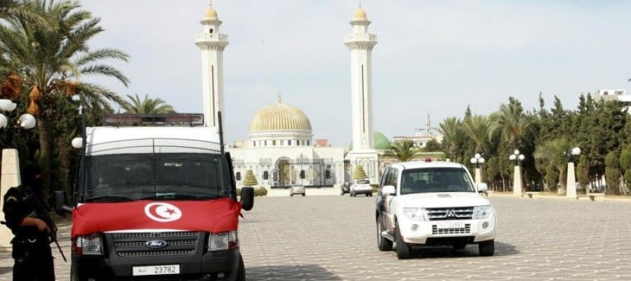 Agentes de policía tras un atentado en Túnez en 2013