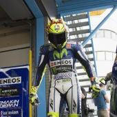 Valentino Rossi en el box durante el GP de Holanda