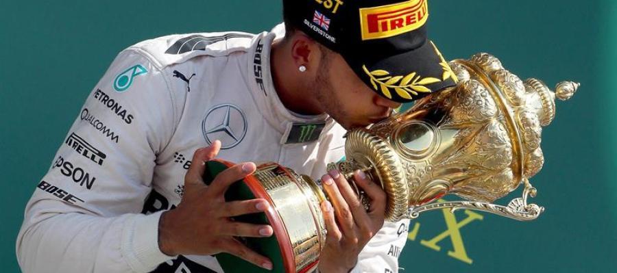 Hamilton gana en Silverstone