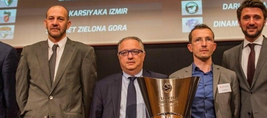 Alberto Herreros junto al resto de miembros del Grupo A de Euroliga