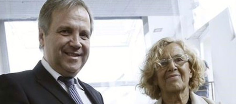 Antonio Miguel Carmona y Manuela Carmena