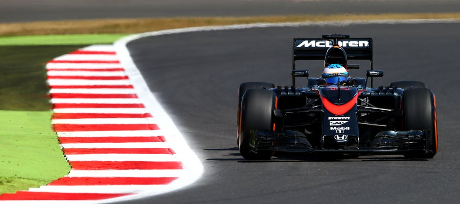 Fernando Alonso a bordo del MP4-30