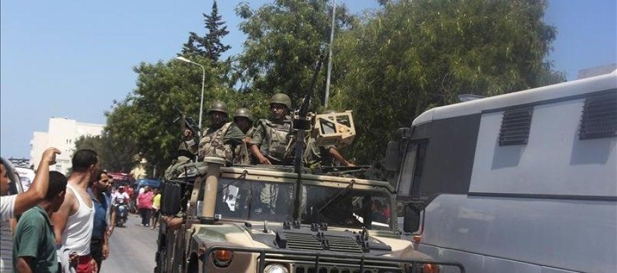 Miembros de las fuerzas de seguridad en Túnez