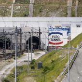 Vista de la entrada del Eurotúnel, que conecta Francia e Inglaterra por debajo del canal de la Mancha