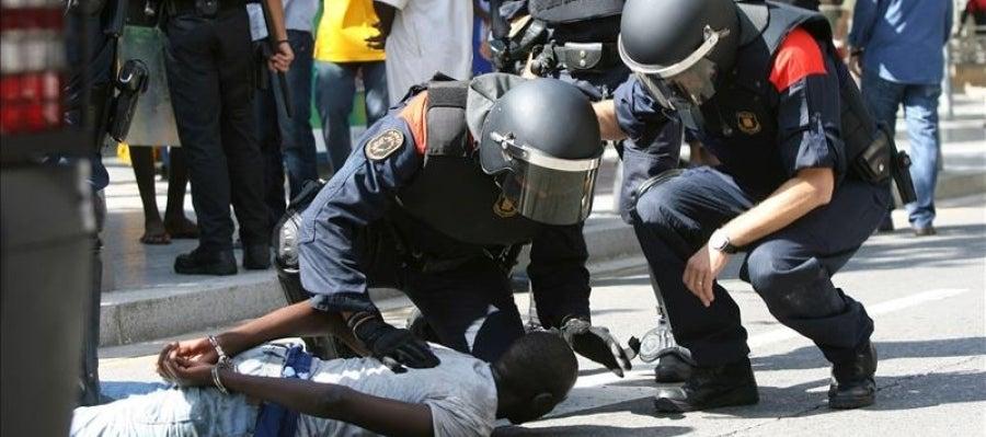 Los Mossos retienen a un participante en los disturbios de Salou