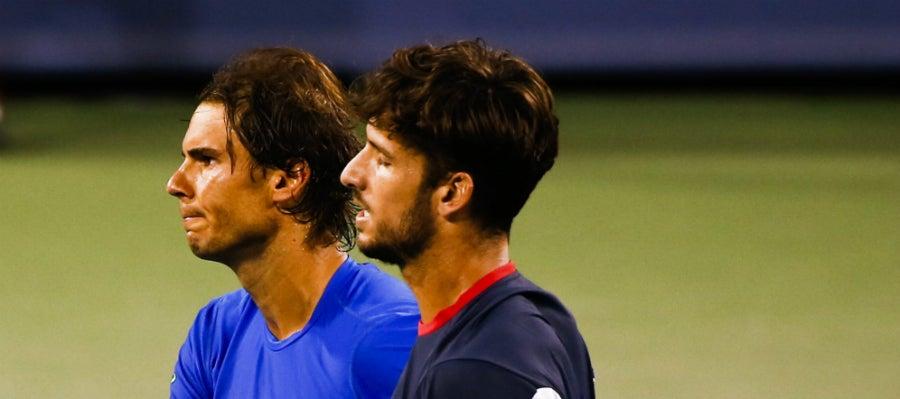 Rafa Nadal y Feliciano López se saludan tras el partido