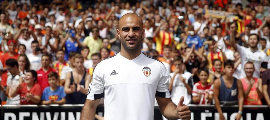 Abdennour en su presentación con el Valencia