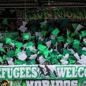 Pancartas de bienvenida a los refugiados en la Bundesliga