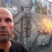 Frame 15.999752 de: Parada en el Muro de Berlín antes de que comience el Eurobasket