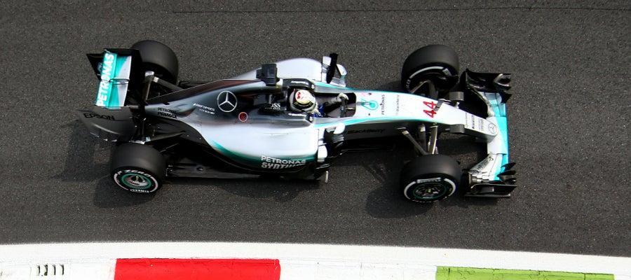 Lewis Hamilton lidera los segundos libres en Monza