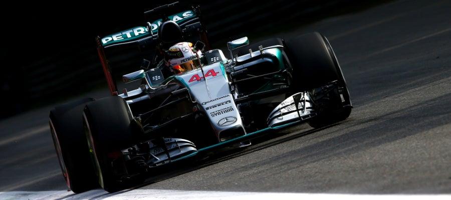 Lewis Hamilton en el circuito de Monza