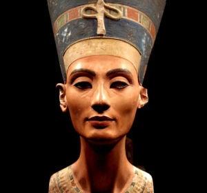 Juicio a la historia: ¿Es el busto de Nefertiti una falsificación?