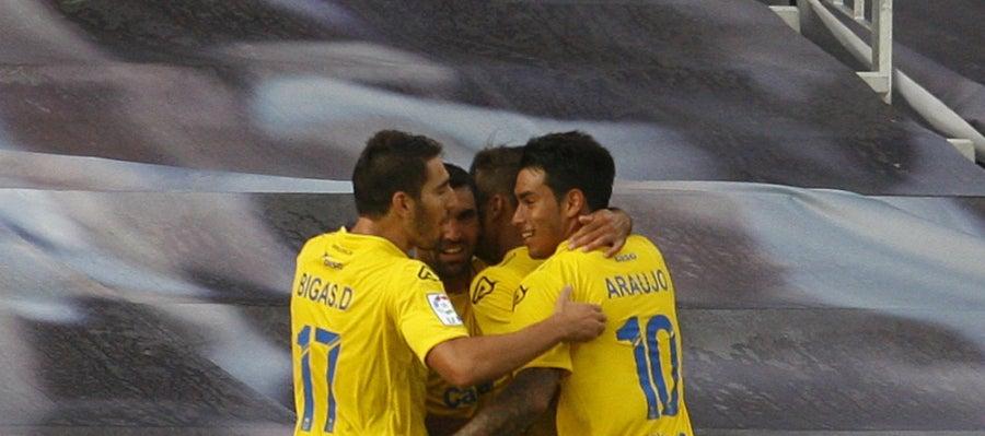 Los jugadores de Las Palmas celebran el gol del empate ante el Celta