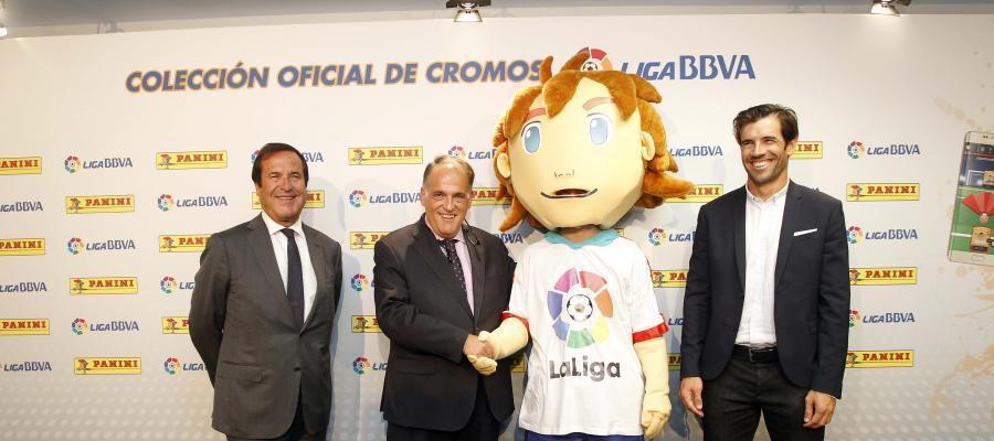 Javier Tebas presenta a 'Capi', la nueva mascota de la Liga