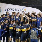 El Boca Juniors levanta la Copa de Argentina.