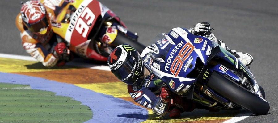 Lorenzo reuda por delante de Márquez en Cheste