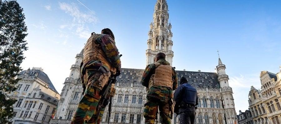 Militares en el centro de Bruselas