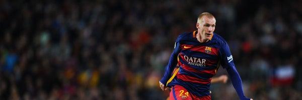 Mathieu, durante un partido con el Barcelona
