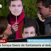 Frame 19.28503 de: Vídeo  Soraya Sáenz de Santamaría ha saludado a Andrés Herzog en la entrada de Atresmedia