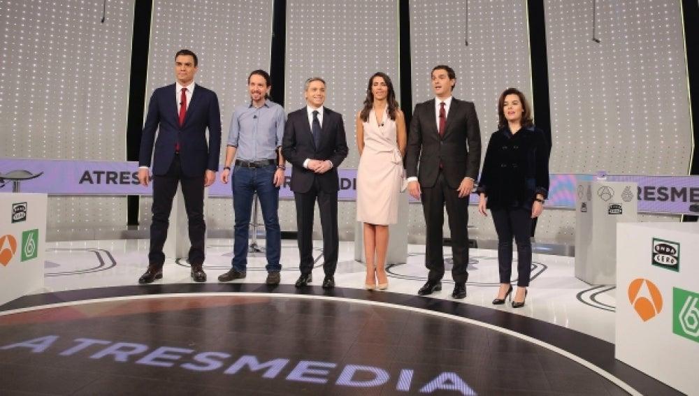 Representantes de los partidos antes de su participación en el Debate Decisivo de Atresmedia