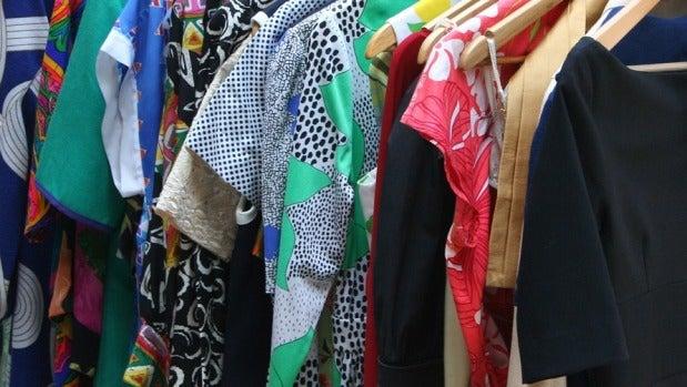 Mesa de redacción: Llenamos de ropa el armario por encima de nuestras posibilidades