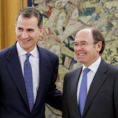 El Rey recibe al presidente del Senado, Pío García-Escudero