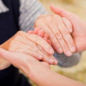 Una persona con artritis