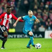 Andrés Iniesta en el duelo contra el Athletic