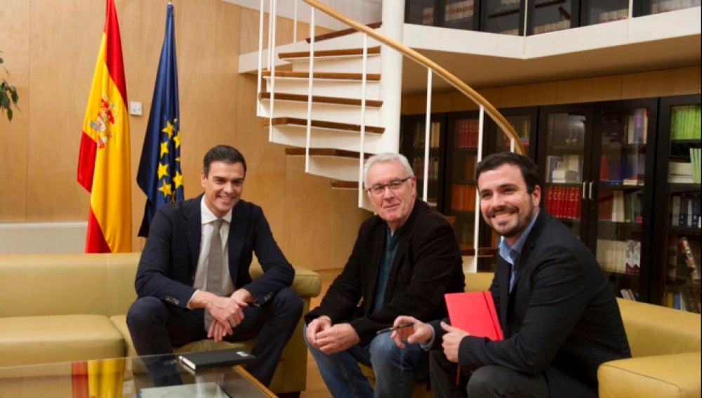 La reunión de Alberto Garzón y Cayo Lara con Pedro Sánchez
