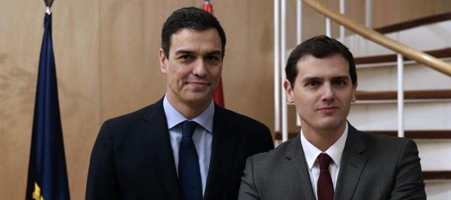 El líder del PSOE, Pedro Sánchez, y el de Ciudadanos, Albert Rivera