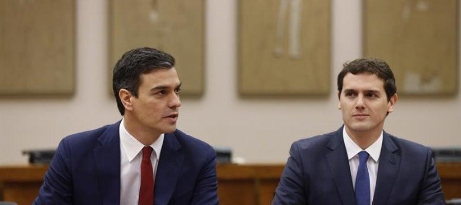 El líder socialista, Pedro Sánchez, y el de Ciudadanos, Albert Rivera