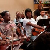 La orquesta Buskaid de Soweto.