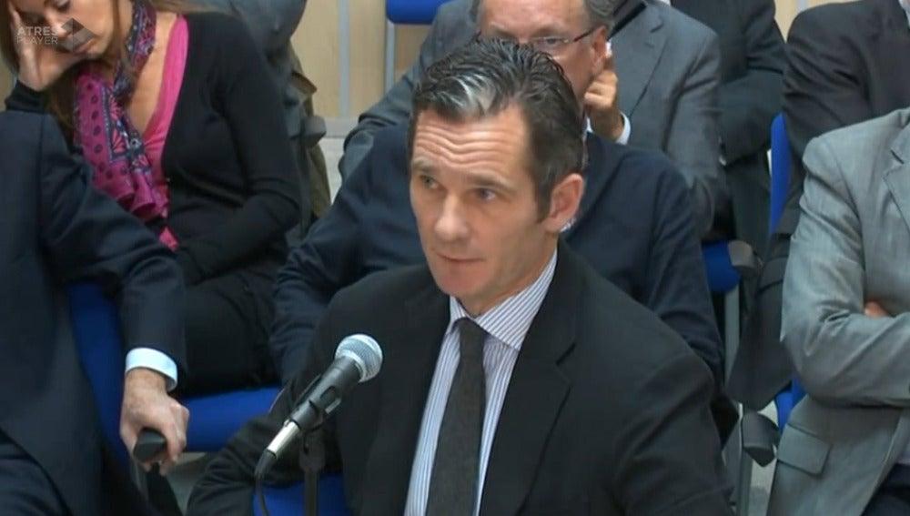 Urdangarin durante su declaración en el Juicio por el caso Noos